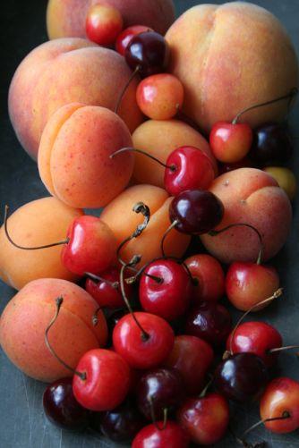 persikor, aprikoser och bigarråer